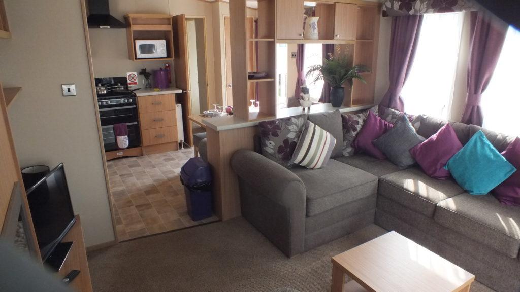 606 inside lounge view